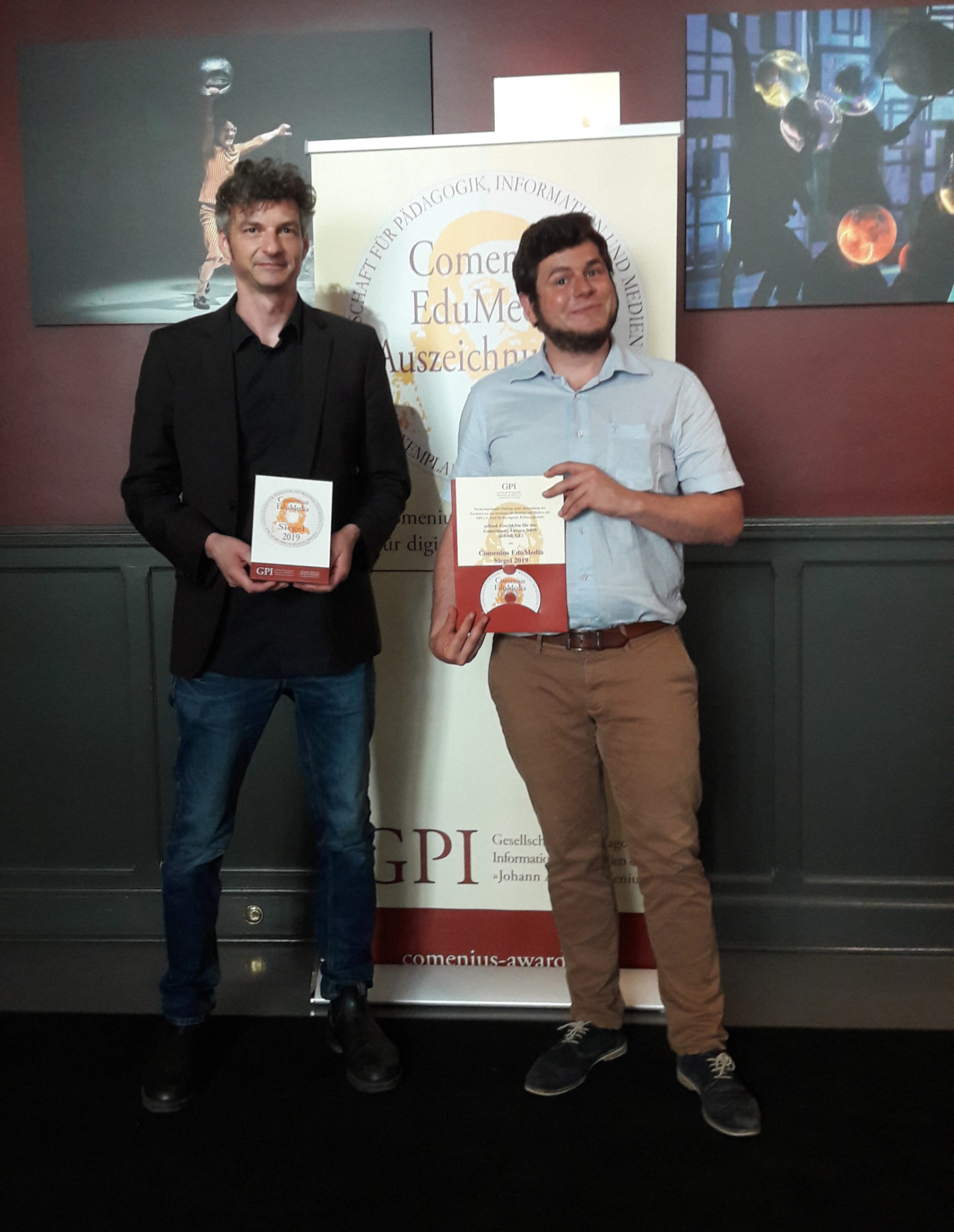 Zwei Honigkuchenpferde: Ralph Aßent (Medienberatung NRW) und Maximilian Trummer (Institut für digitales Lernen)